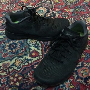 BRAND NEW Nike Free Sneakers - worn once